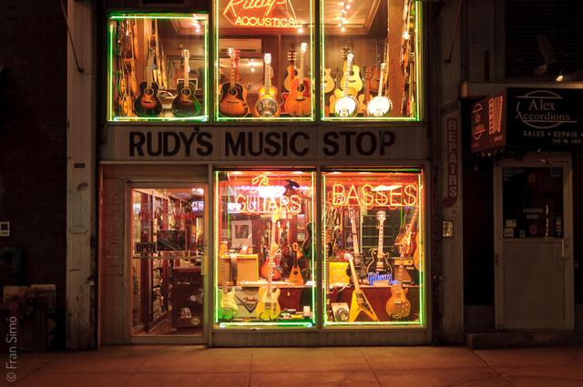 Rudy's Music Stop(#2413)
