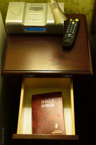 Holy Bible(#3304)
